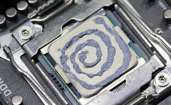 cpu涂抹硅脂的方法3螺旋式