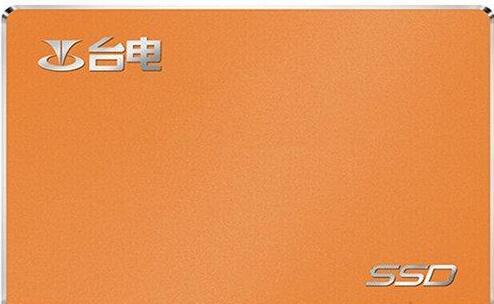 配置中选用的是台电 极光系列 A800 240G 固态硬盘