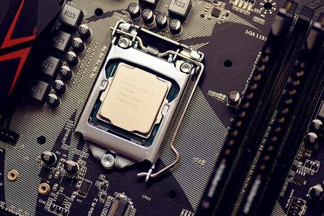 CPU推荐的是i5 8400散片