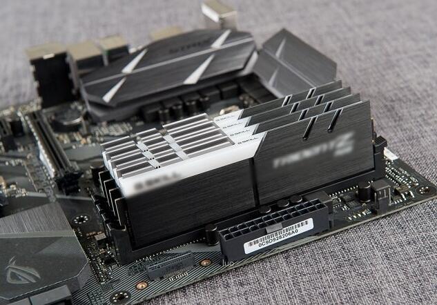 ddr4 2400和3000区别 组装电脑用哪个好