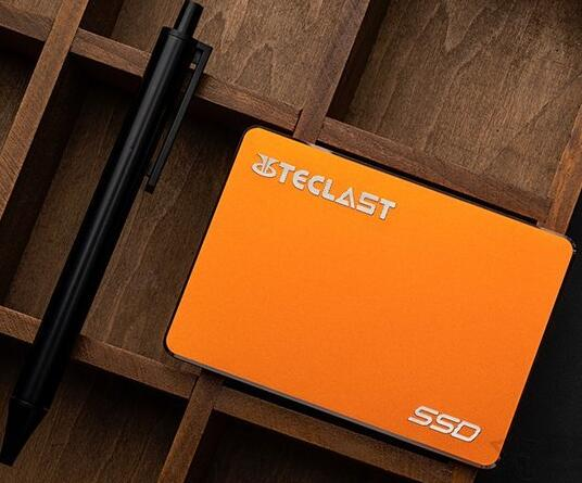 台电 A800 240G 固态硬盘
