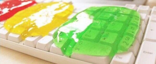 清洗键盘方法五:使用键盘清洁泥