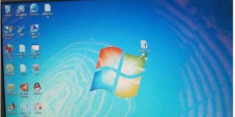 显示器闪烁是什么原因 如何解决电脑显示器屏幕闪烁