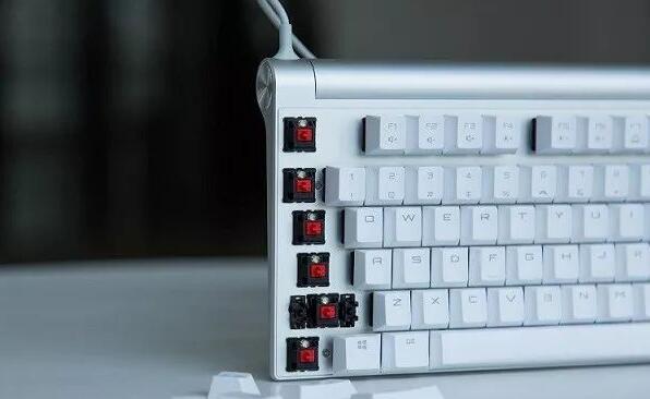 机械键盘轴的区别