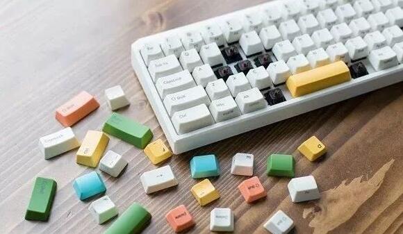 机械键盘红轴黑轴青轴茶轴有什么区别
